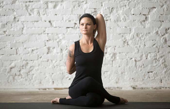 Gomukasana Yoga houdingen voor borstvergroting