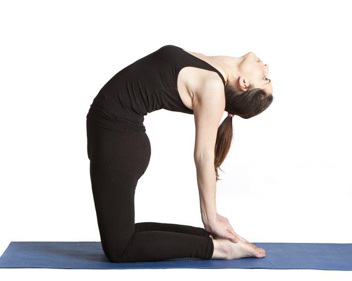 Ustrasana Yoga houdingen voor borstvergroting